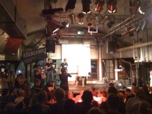 Die OLEDs aus Wuppertal gewinnen den 4. Kölner Science Slam im Mai 2011. Bild: Henning Krause, CC-BY 3.0